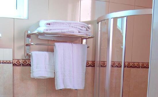 Safina Hotel & Apartments: Bathroom