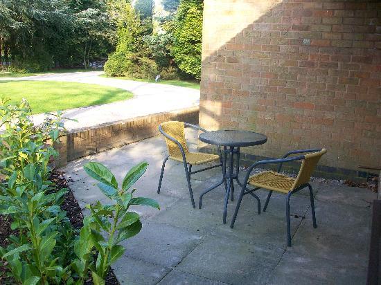 Barncroft Guest House: double room patio