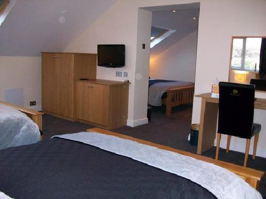 Barncroft Guest House: typical rooms