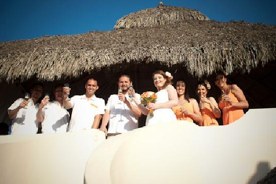 Casa Cielito Lindo Bed & Breakfast : After the Ceremony under the palapa