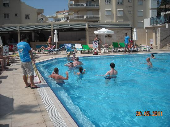Hotel Goldenday Wings: Water Polo with Messi