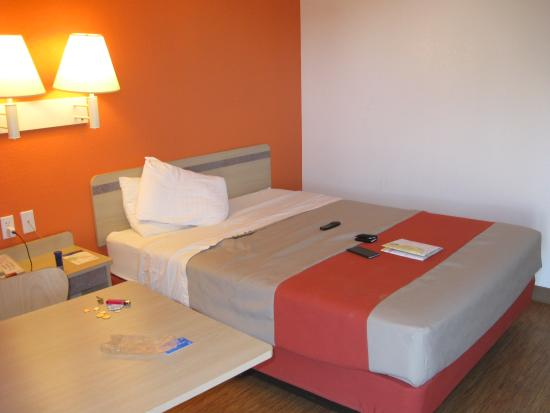 Motel 6 Ft. Stockton: Single Bed