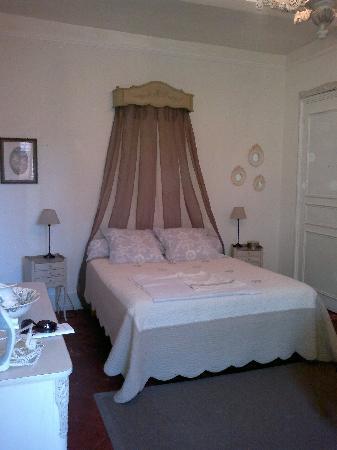 le boudoir du faubourg montauban frankrig b b anmeldelser sammenligning af priser. Black Bedroom Furniture Sets. Home Design Ideas