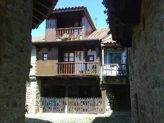 Posada de Peredo y Villa: Bárcena mayor