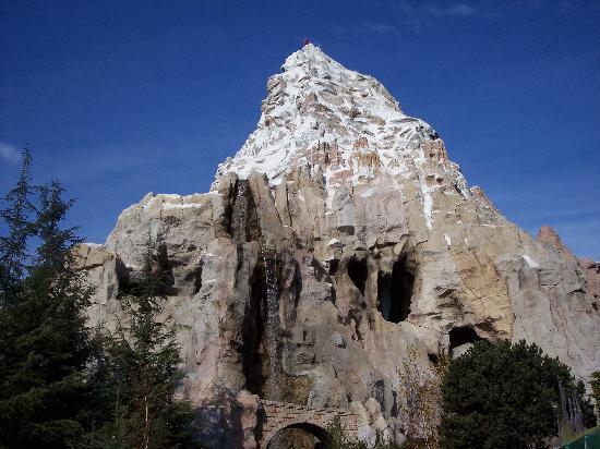 حديقة ديزني لاند بارك: Matterhorn