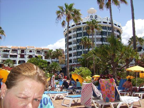 Parque Santiago: the hotel pool areas