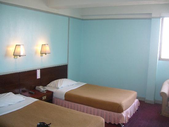 โรงแรมไวท์ ออร์คิด: ROOM