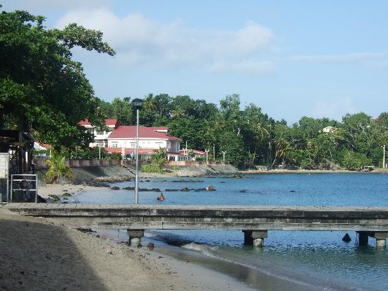 Hôtel Bambou : le ponton à 30 m de l'hotel