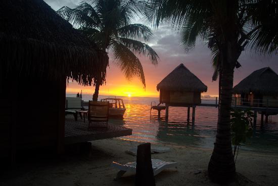 Manava Beach Resort & Spa - Moorea : coucher de soleil au pearl