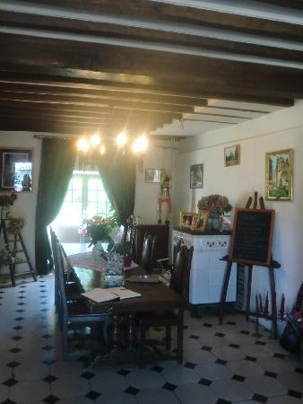 Moulin des Chennevieres : Dining room/breakfast room