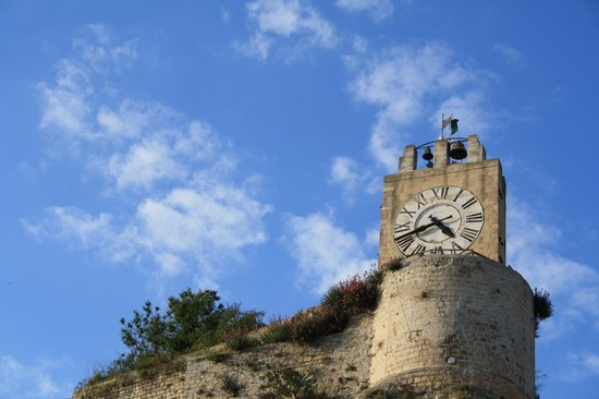 Módica, Italia: La torre del Castello vista da casa Campailla