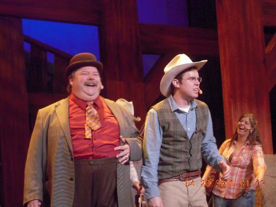 Hatfield & McCoy Dinner Show: Mayor & Sheriff