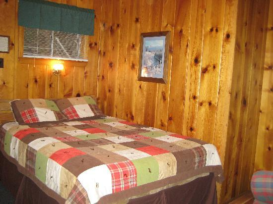 Inn on Fall River: The bed (of room 12)