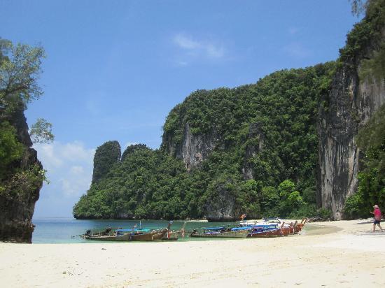 Phulay Bay, A Ritz-Carlton Reserve: hong island beach