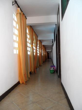 Kahama Hotel: Hallway