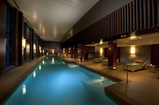 Hilton Queenstown Resort & Spa: Relax with the 25m heated indoor pool.