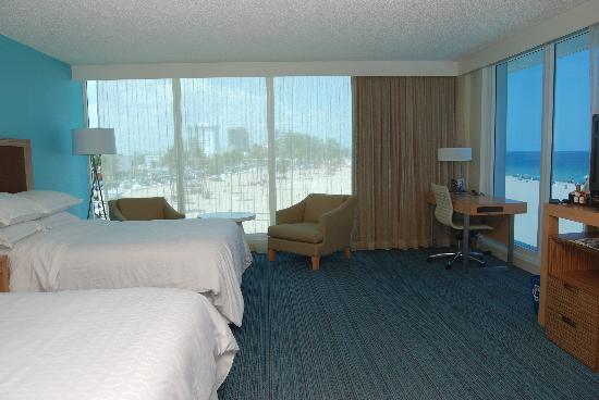 B Ocean Resort Fort Lauderdale: Beach Tower Room