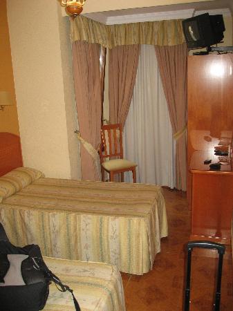 Victoria Hostal Malaga: The room