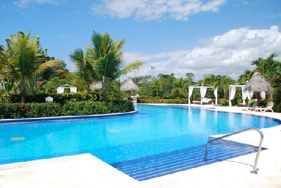 Luxury Bahia Principe Cayo Levantado Don Pablo Collection: One of the pools