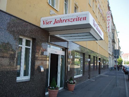 Centro Hotel Vier Jahreszeiten: Eingang