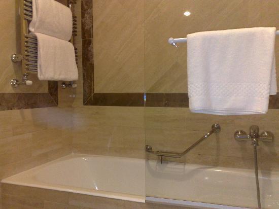 Hotel Borromini : Dettaglio vasca da bagno