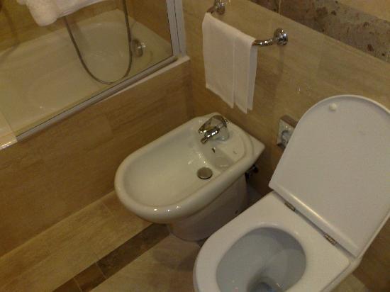 Hotel Borromini: Dettaglio sanitari