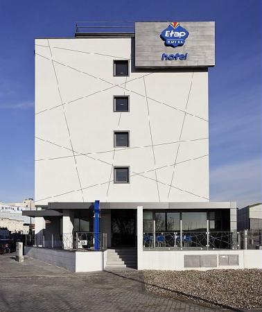 Ibis Budget Madrid Vallecas : Fachada