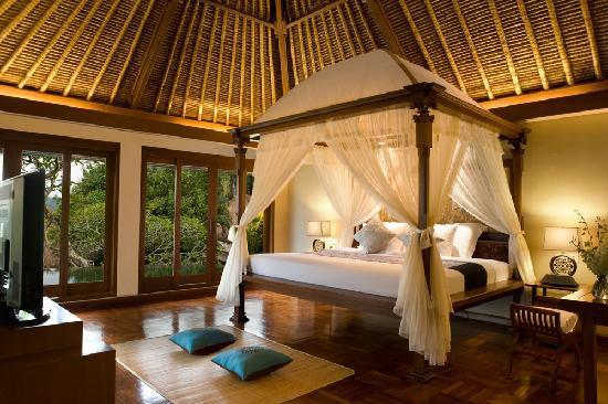 Kamandalu Ubud: Two Bedroom Pool Villa - Master Bedroom