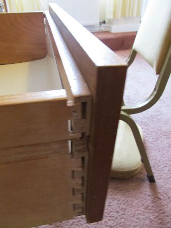 Nayland Rock Hotel: drawer held together with nail..sticking out a couple of inches