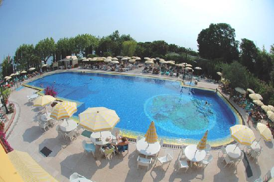 Parc hotel gritti bewertungen fotos preisvergleich for Swimmingpool angebote