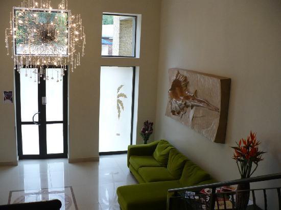 Palm Valley Inn: Lobby 2