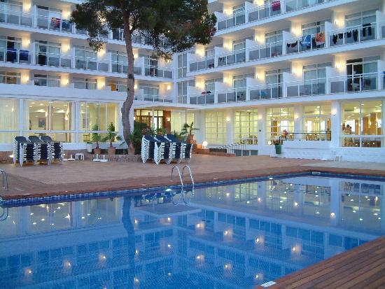 Fiesta Hotel Milord : Beautiful pool