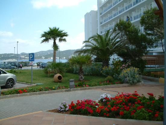 Fiesta Hotel Milord : View from front of hotel