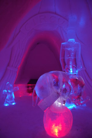 Lapland Hotel Yllaskaltio : Just one of the many ice hotel rooms, impressive!