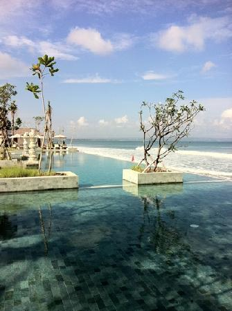 The Seminyak Beach Resort & Spa: take a dive in this beauty