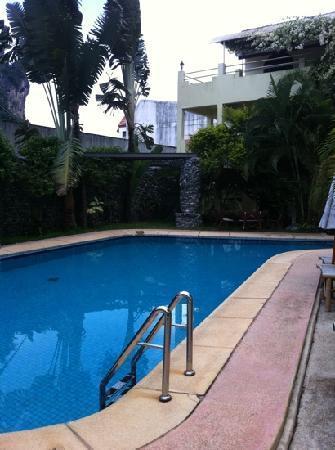 Piscine taille moyenne photo de sabai mansion ao nang tripadvisor - Taille piscine standard ...