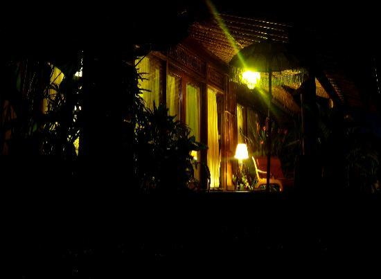Villa Kunang Kunang: At night