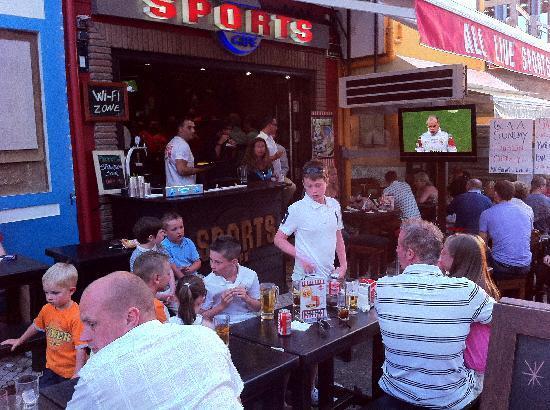 Sports Cafe : outside terrace