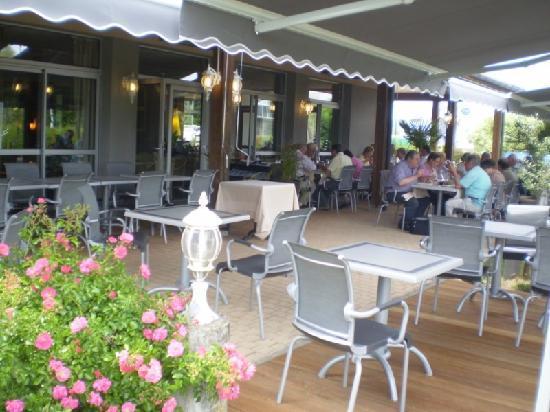 Anemotel : Nouvelle terrasse restaurant Anémotel Riom