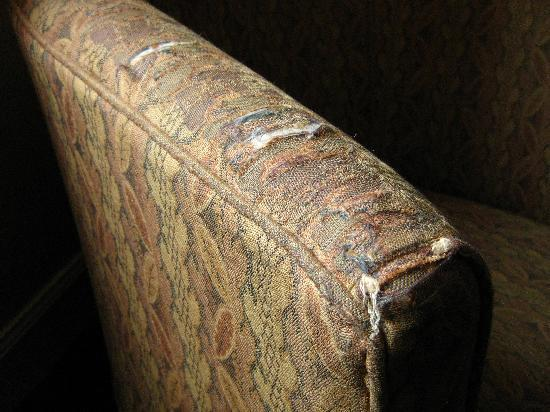 The Inveraray Inn: Ratty upholstery