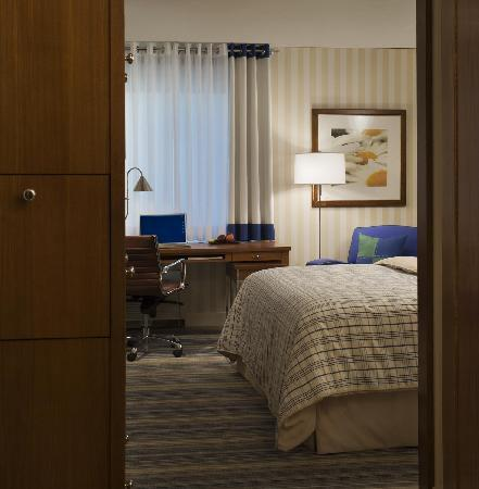 Days Hotel Allentown Airport / Lehigh Valley: Renovated Guest Room