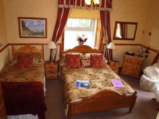 Dolawel Guest House: Guest Bedroom 2