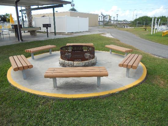 Okeechobee KOA: Fire Pit