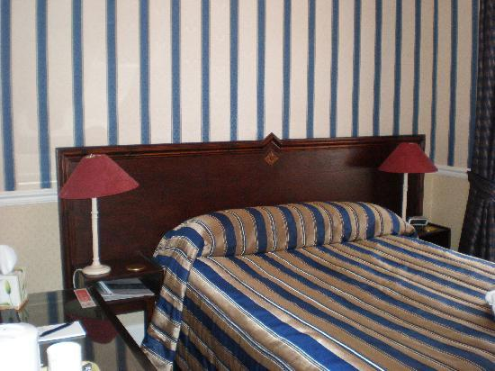 The Edinburgh Lodge: my room