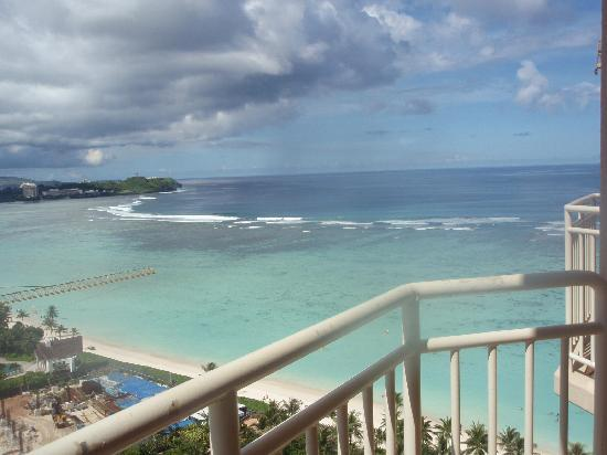 Outrigger Guam Beach Resort: バルコニーから