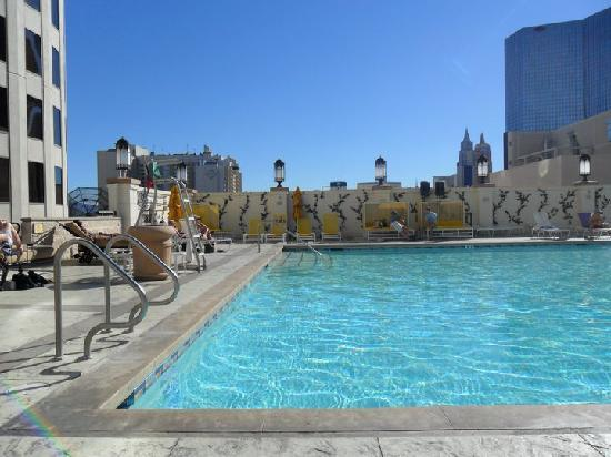 The Pool Again Picture Of Planet Hollywood Resort Casino Las Vegas Tripadvisor