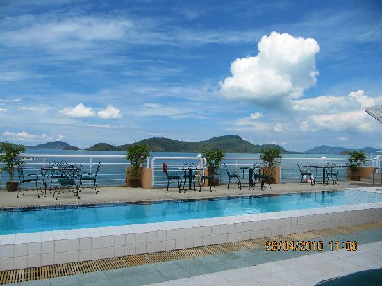 Cape Panwa, Tailandia: Rooftop pool from 2010 visit
