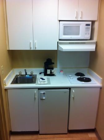 Crossland Economy Studios - Denver - Airport - Aurora: kitchenette