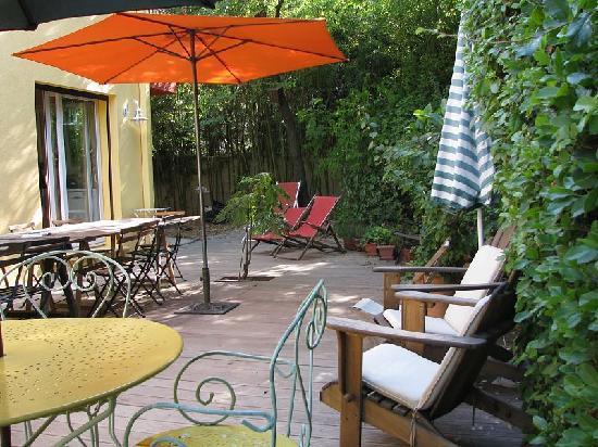 Les Arbousiers : Terrasse view 1