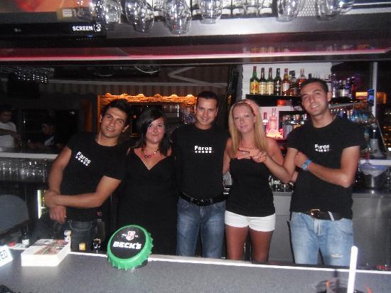 Vamos Beach: the great bar staff!